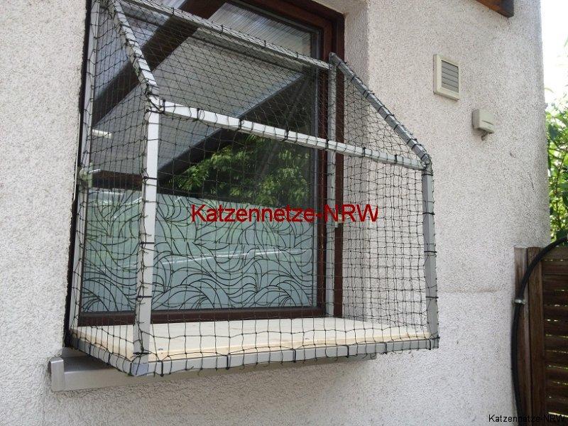 katzennetze f r fenster und balkon katzennetze nrw. Black Bedroom Furniture Sets. Home Design Ideas