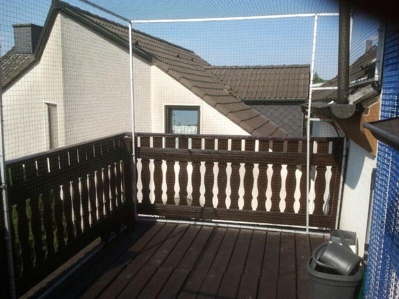 Terrasse bzw. Dachterrasse mit Netz auch oben gesichert