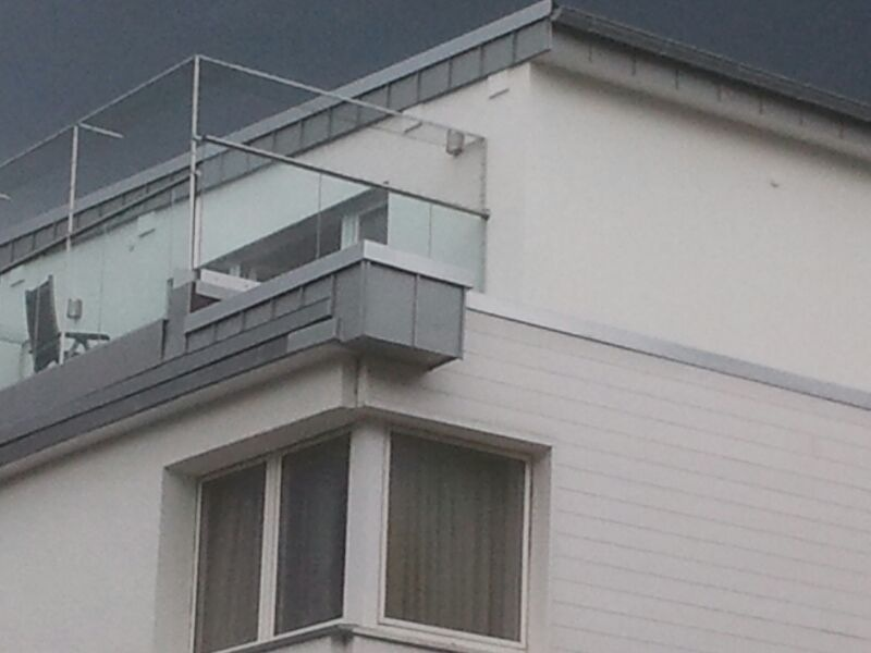 Katzennetz an Dachterrasse