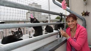 Diana Eichhorn macht den Balkon mit Katzennetze-NRW,