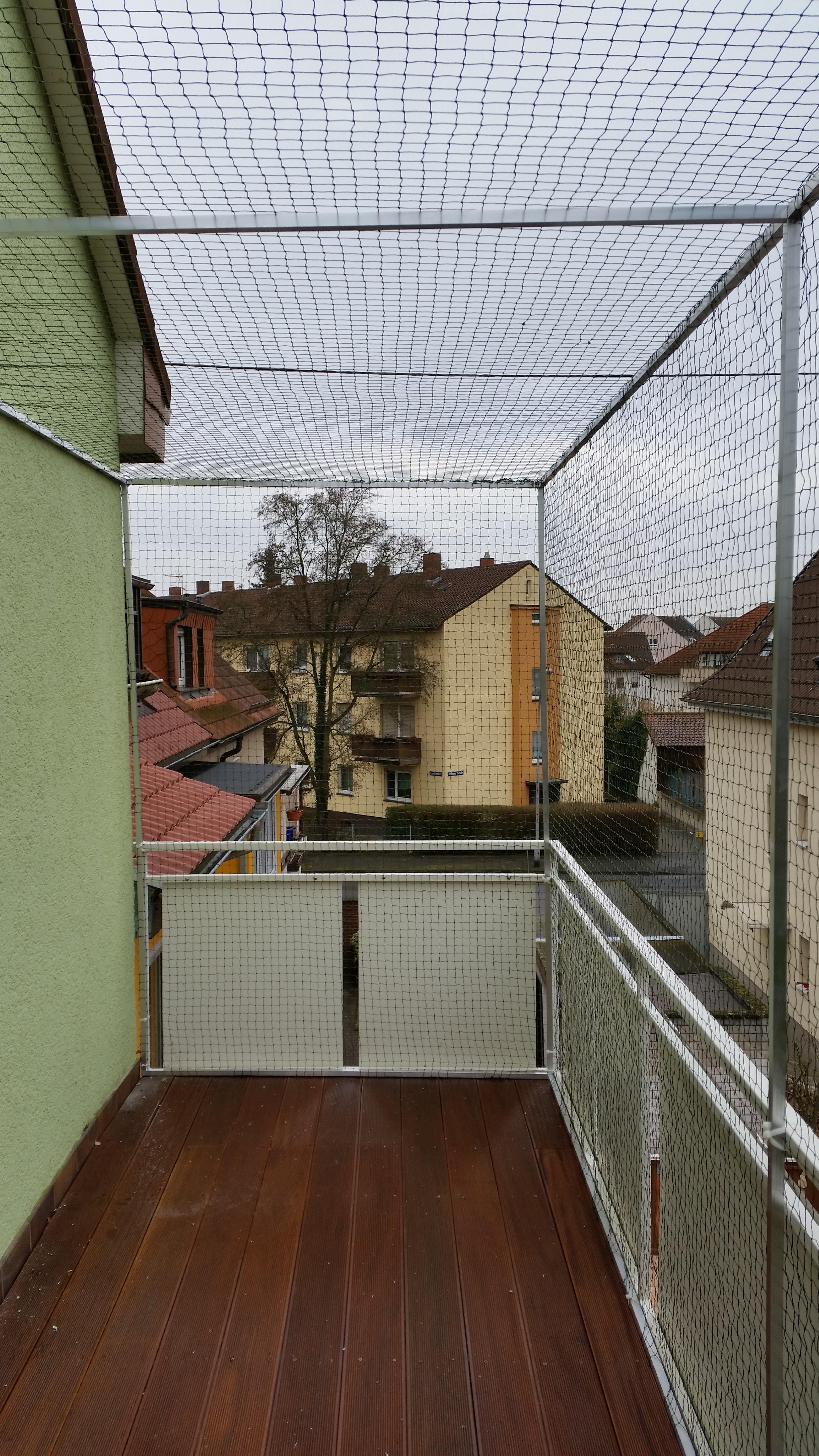 ein balkon komplett vernetzen katzennetze nrw der. Black Bedroom Furniture Sets. Home Design Ideas