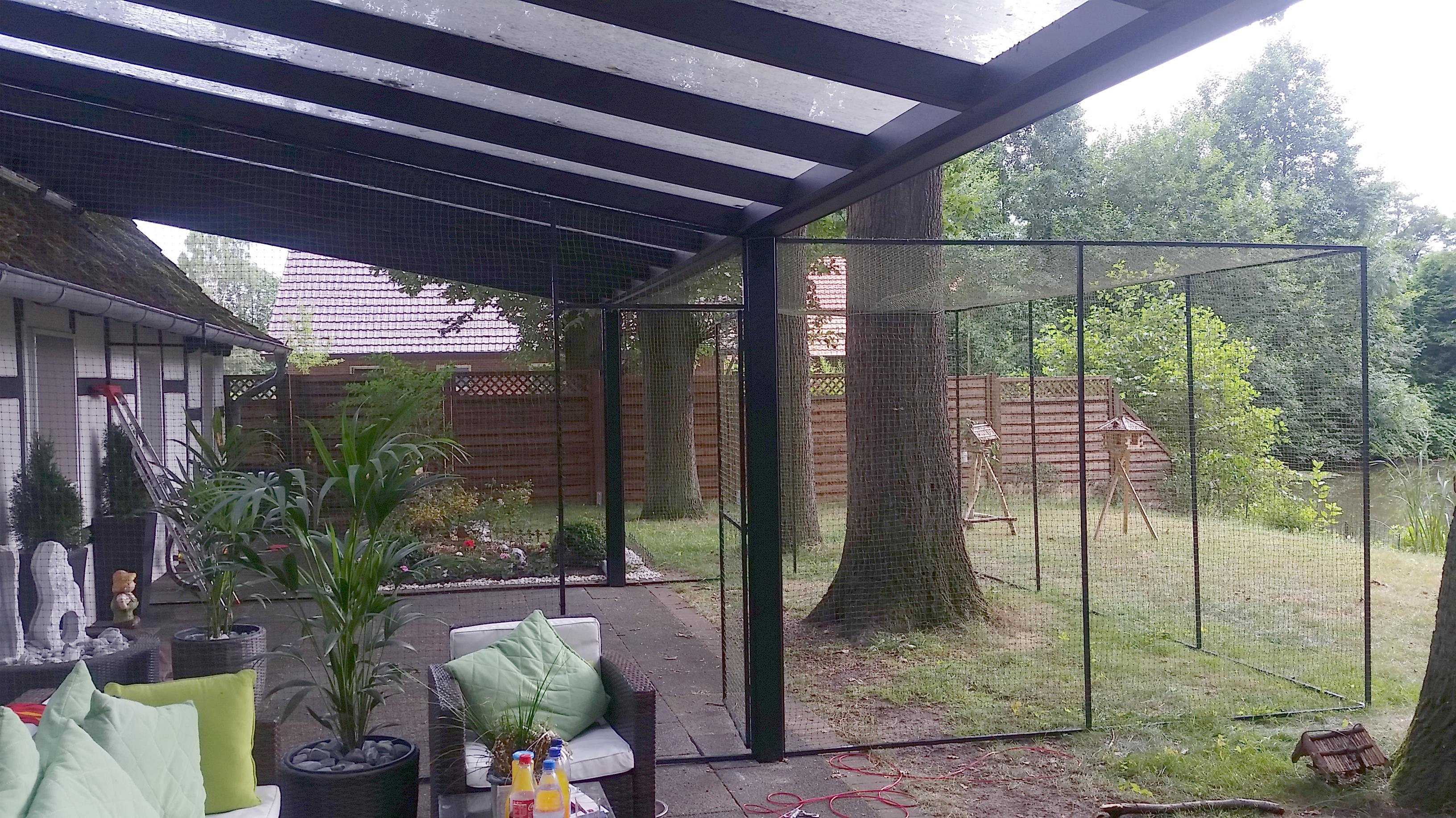 terrasse und gartenteil als katzengehege katzennetze nrw der katzennetz profi. Black Bedroom Furniture Sets. Home Design Ideas