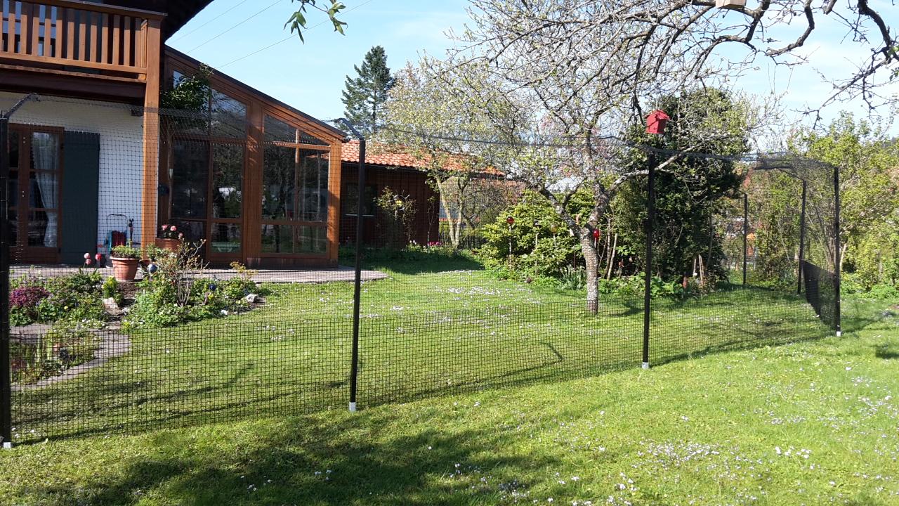 gartensicherung mit dem katzenzaun system vom katzennetz With katzennetz balkon mit garden zaun