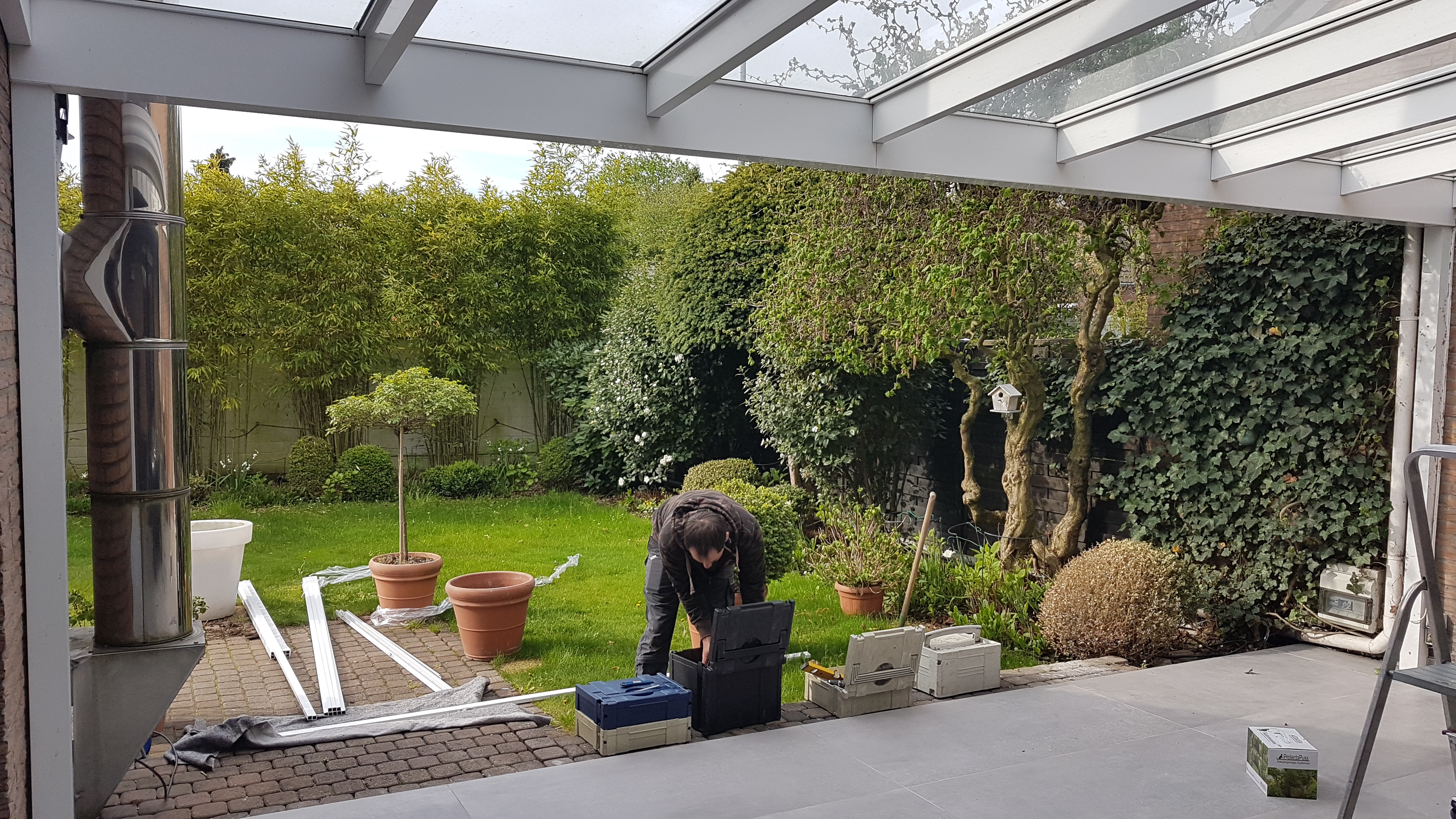 terrasse mit katzennetz zum auf zuschieben vom katzennetz profi katzennetze nrw der. Black Bedroom Furniture Sets. Home Design Ideas
