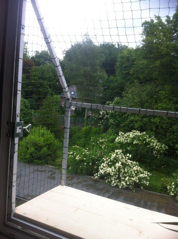 Katzenbalkon für Fenster, ansicht innen