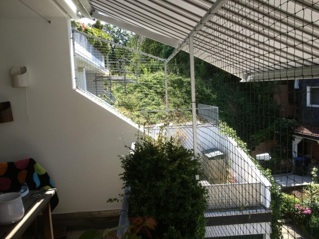 Balkonseite wurde Professionell mit dem Katzennetz System gesichert