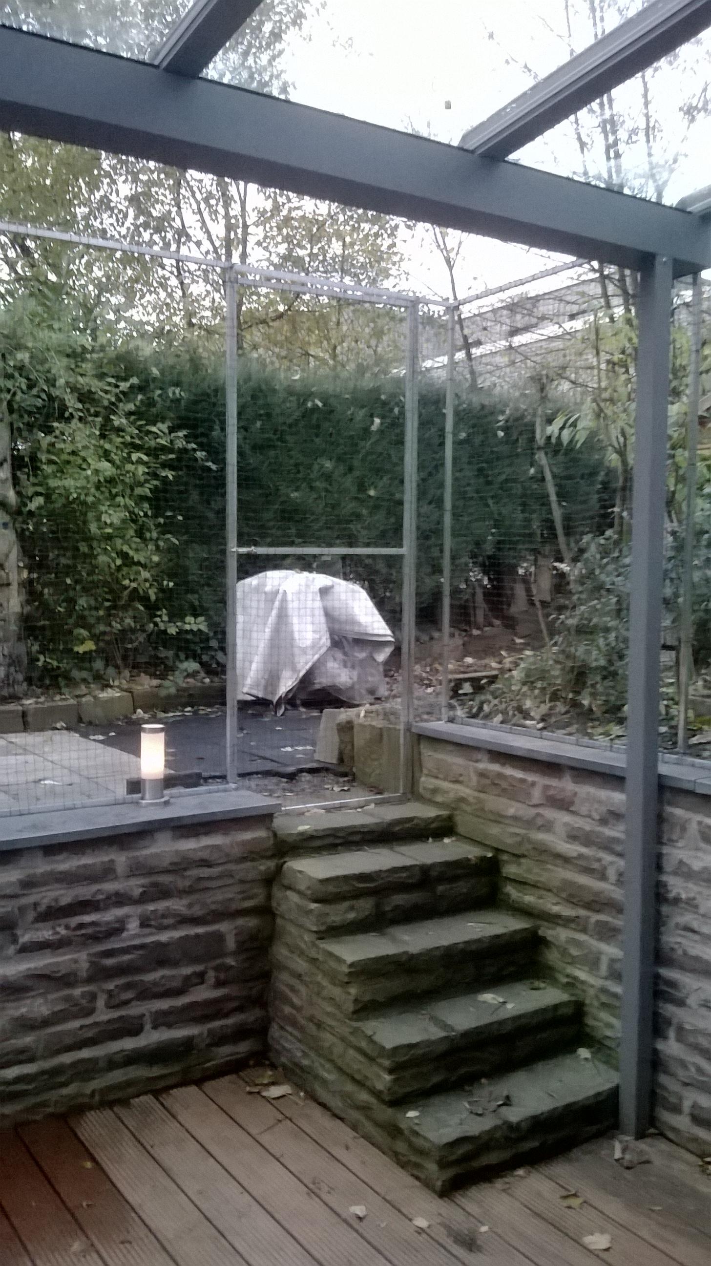 terrasse im ruhrgebiet katzensicher gemacht vom fachmann f r katzennetz anbringen. Black Bedroom Furniture Sets. Home Design Ideas