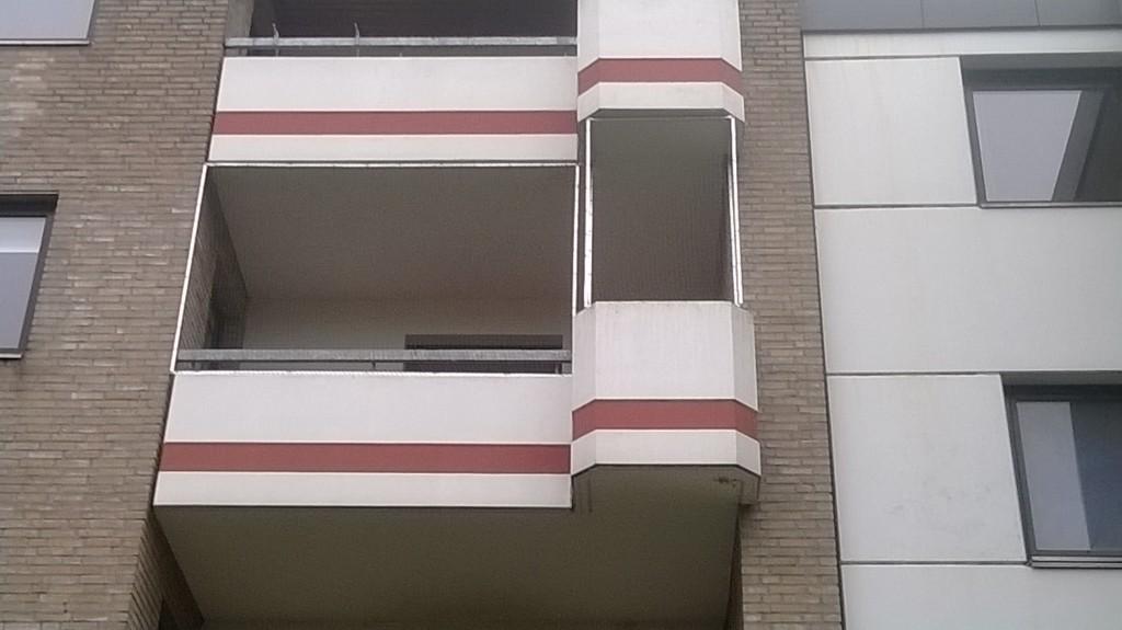 Katzennetz am Balkon in Oldenburg