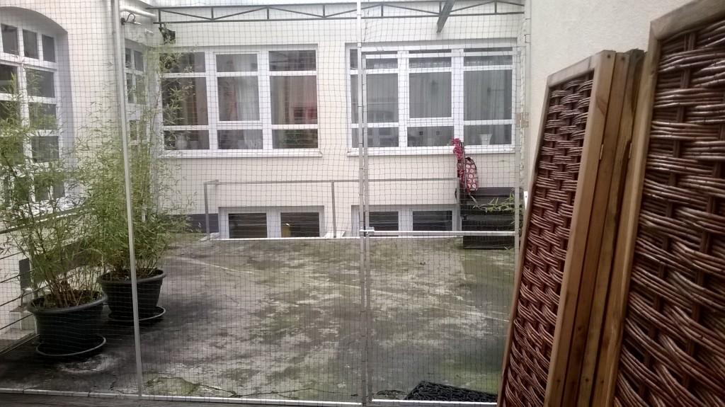 Terrasse mit Katzennetz gesichert