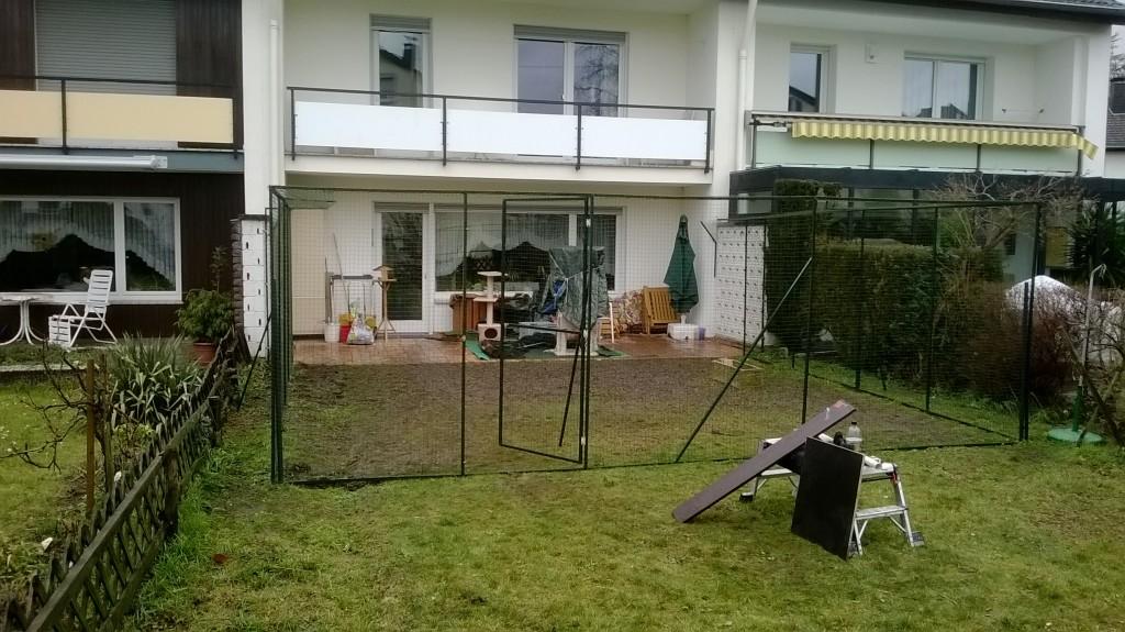 garten mit katzennetz system sicher vernetzt katzennetze nrw der katzennetz profi. Black Bedroom Furniture Sets. Home Design Ideas
