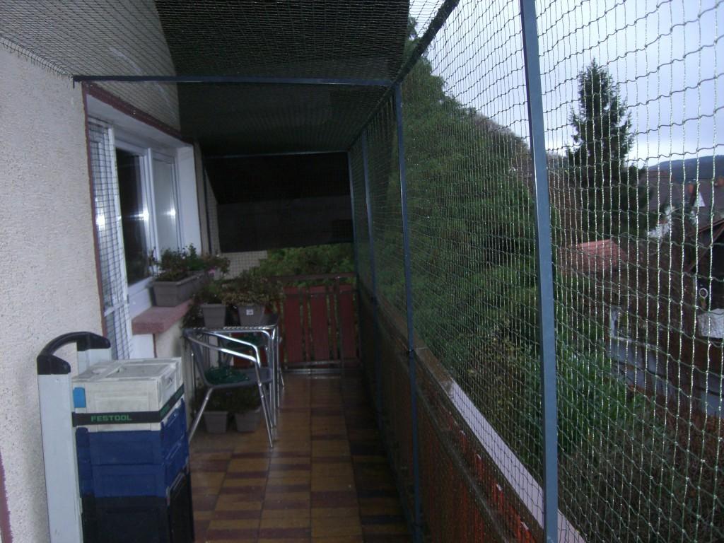 Balkon mit oben zu