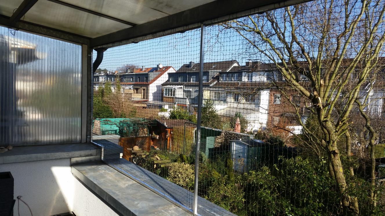Balkon_Vernetzung_Platz_fuer_Blumenkaesten