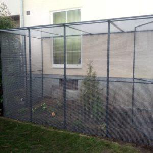 Katzenvoliere im Garten