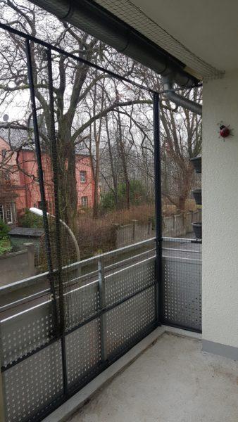 Katzennetz zum wegschieben am Balkon